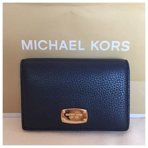🆕☘️⬇️ Women's Michael Kors Navy Blue Wallet NWOT